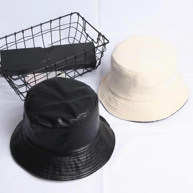 EVRIS(エヴリス)のレザーバケットハット レディースの帽子(ハット)の商品写真