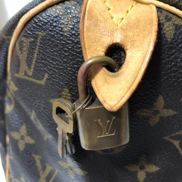 LOUIS VUITTON(ルイヴィトン)のルイヴィトン  モノグラム スピーディ 30 レディースのバッグ(ボストンバッグ)の商品写真