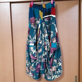 アンティカ 花柄×幾何学柄ロングスカート