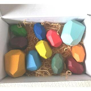 11個 木のおもちゃ 石の積み木 カラフル バランス 知育玩具 木製 石 積み石