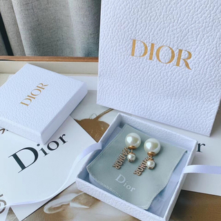 Dior - クリスチャンディオール  dior  パール ピアス