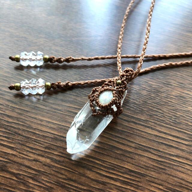 専用*309*水晶ポイントとプレシャスオパールのマクラメネックレス ハンドメイドのアクセサリー(ネックレス)の商品写真
