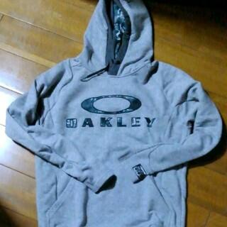 オークリー(Oakley)のOAKLEY パーカー(パーカー)