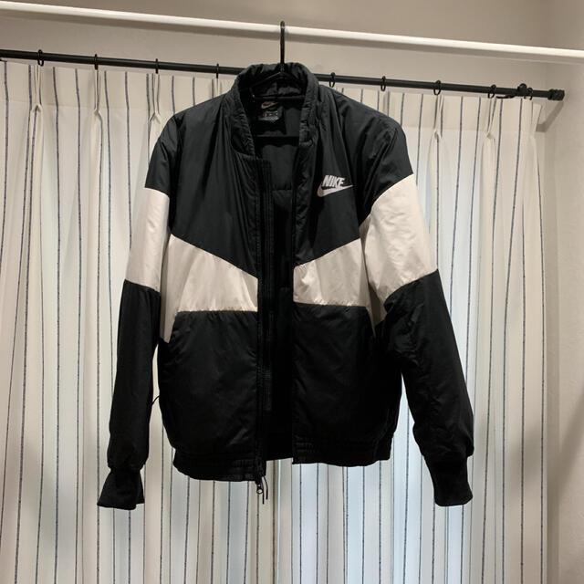 NIKE(ナイキ)のNIKE ナイキ ナイロンジャケット サイズM メンズのジャケット/アウター(ナイロンジャケット)の商品写真