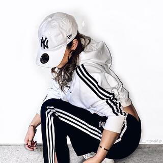 adidas - adidas originals ショート丈パーカー