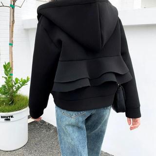 スナイデル(snidel)のシンプル レディース フリル パーカー 厚め アウター 秋冬 黒  体型カバー(パーカー)