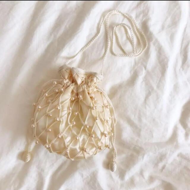 Lochie(ロキエ)の古着 巾着バッグ パールポシェット レディースのバッグ(ショルダーバッグ)の商品写真