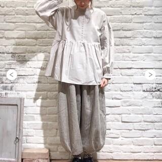 SM2 - NEW! バルーン裾タックパンツ