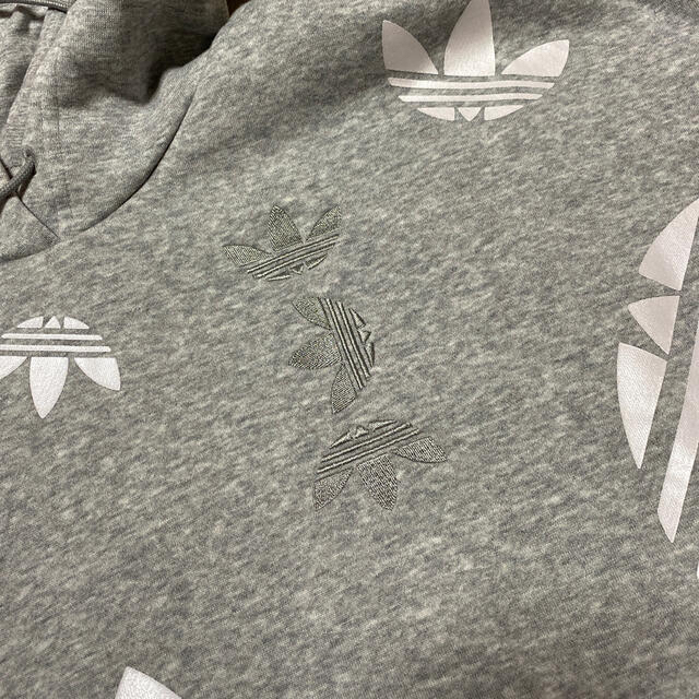 adidas(アディダス)のadidas originals ショート丈パーカー レディースのトップス(パーカー)の商品写真