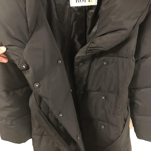 ROPE(ロペ)の美品♡シルエットがキレイ ロペ ダウン90% ロングコート レディースのジャケット/アウター(ダウンコート)の商品写真