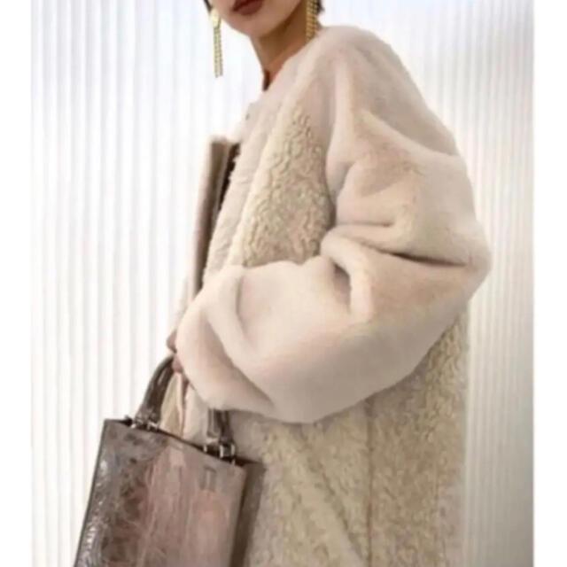 Ameri VINTAGE(アメリヴィンテージ)のAmeri vintage REVERSIBLE TWIN BOA COAT レディースのジャケット/アウター(毛皮/ファーコート)の商品写真