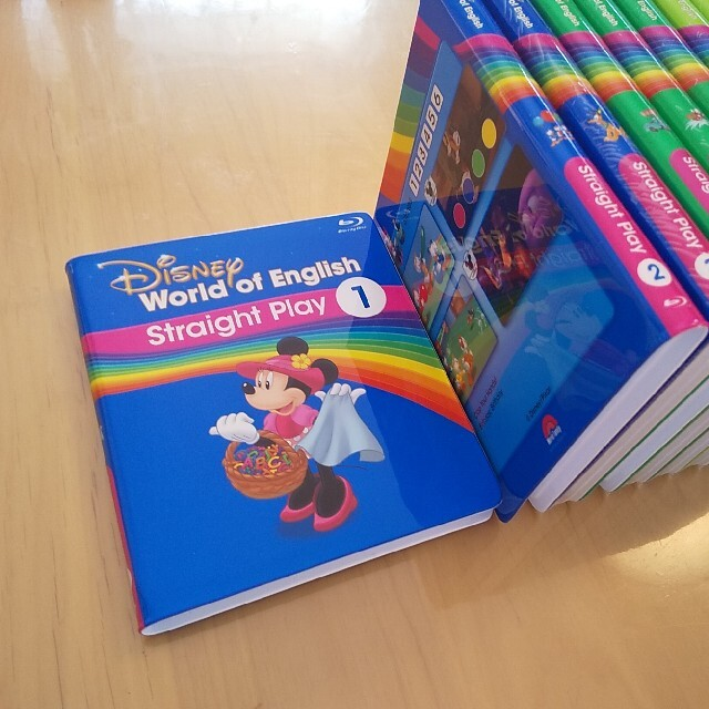 Disney(ディズニー)のDWE ストレートプレイ ブルーレイ 最新版 キッズ/ベビー/マタニティのおもちゃ(知育玩具)の商品写真
