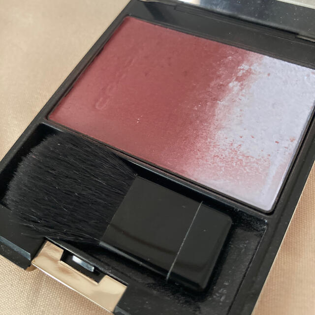 SUQQU(スック)のSUQQU ピュアカラーブラッシュ 115 紅氷柱 (限定色) コスメ/美容のベースメイク/化粧品(チーク)の商品写真