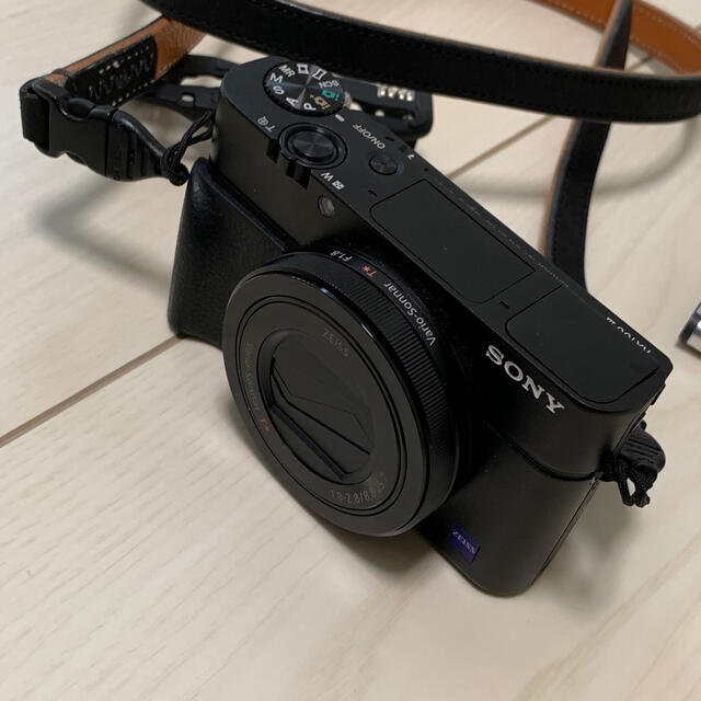 SONY(ソニー)のSONY Cyber-shot DSC-RX100M3 付属品多数 スマホ/家電/カメラのカメラ(コンパクトデジタルカメラ)の商品写真