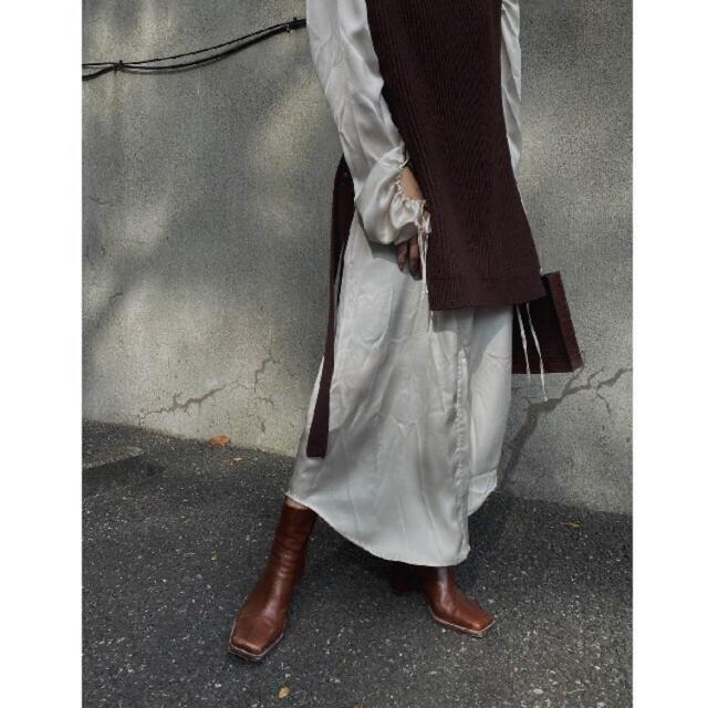 Ameri VINTAGE(アメリヴィンテージ)のAmeri VEST LAYERED SHIRT DRESS レディースのワンピース(ロングワンピース/マキシワンピース)の商品写真