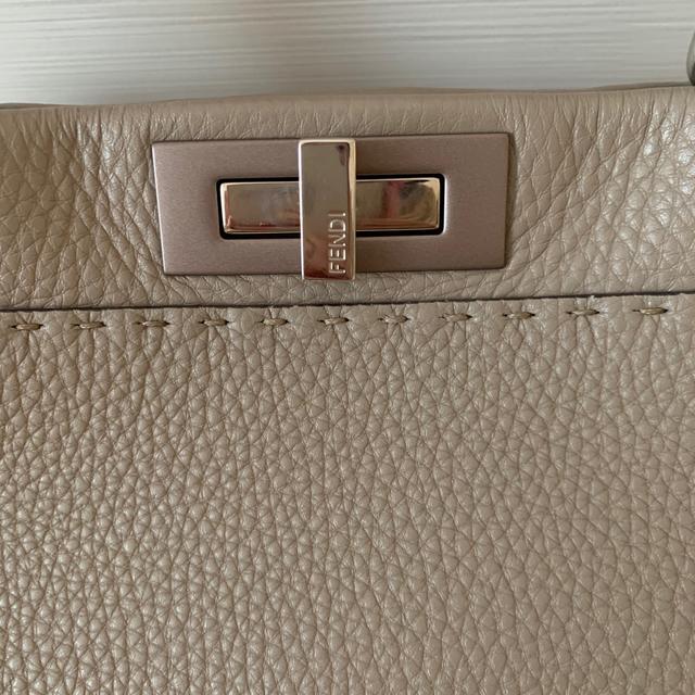 FENDI(フェンディ)の専用出品フェンディ🌸ピーカブーグレージュ美品 レディースのバッグ(ハンドバッグ)の商品写真