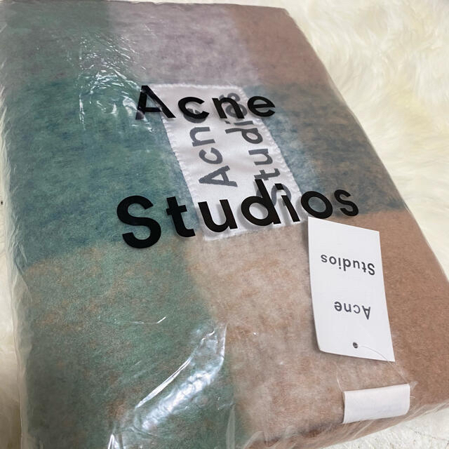 ACNE(アクネ)のAcneStudiousマルチチェック柄スカーフ アクネストゥディオス マフラー レディースのファッション小物(マフラー/ショール)の商品写真