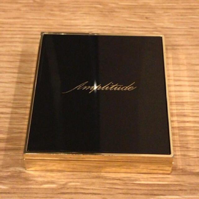RMK(アールエムケー)のアンプリチュード アイシャドウ コスメ/美容のベースメイク/化粧品(アイシャドウ)の商品写真