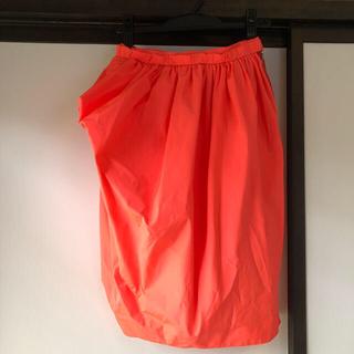 マークバイマークジェイコブス(MARC BY MARC JACOBS)のMARCJACOBS 蛍光オレンジスカート(ひざ丈スカート)