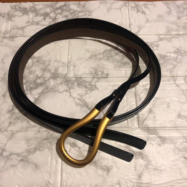 新品 バックル ベルト ゴールド×ブラック U字 海外 レディース アメリ 秋冬 レディースのファッション小物(ベルト)の商品写真