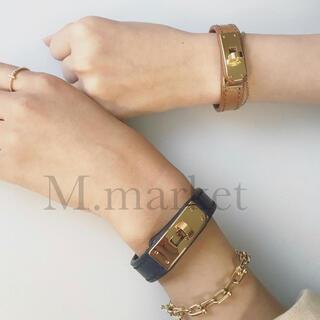 アパルトモンドゥーズィエムクラス(L'Appartement DEUXIEME CLASSE)のleather bracelet 【kelly】(ブレスレット/バングル)