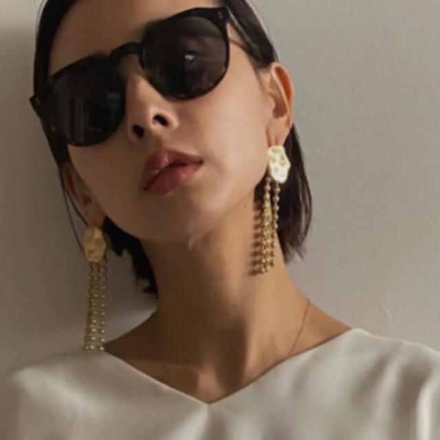Ameri VINTAGE(アメリヴィンテージ)のRAEN◆新品 REMMY 52 サングラス レディースのファッション小物(サングラス/メガネ)の商品写真