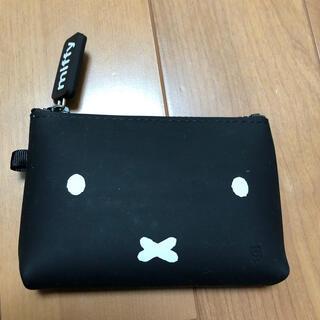ミッフィーのシリコン カードケース(ポーチ)