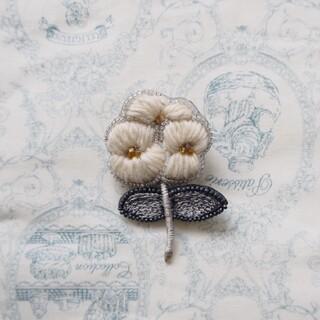mina perhonen - acou ;(アク)刺繍ブローチ