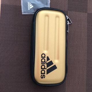 アディダス(adidas)のadidasペンケース(ゴールド)(ペンケース/筆箱)