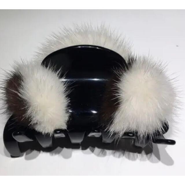 acca(アッカ)のACCA ミンクファー付きクリップ レディースのヘアアクセサリー(バレッタ/ヘアクリップ)の商品写真