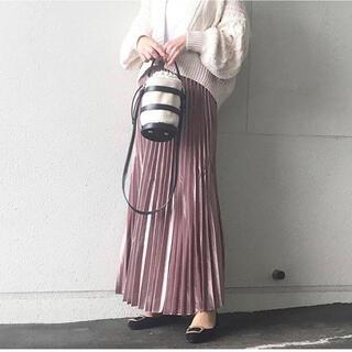 フィフス(fifth)の【新品・タグ付】シャイニーロングプリーツスカート(ロングスカート)