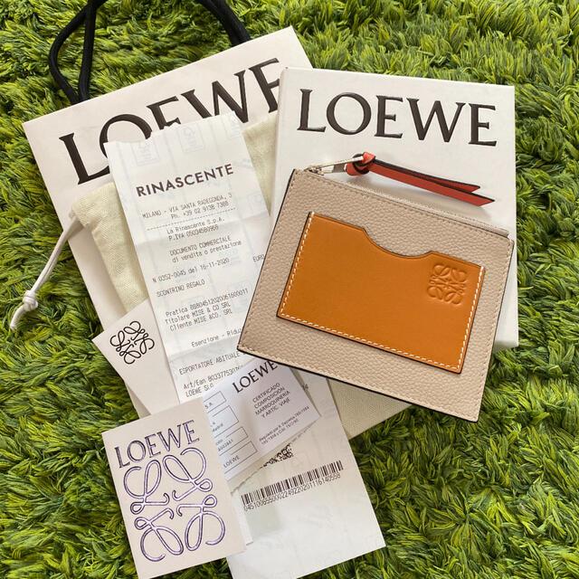 LOEWE(ロエベ)のロエベ  新作カードホルダー 新品未使用 レディースのファッション小物(財布)の商品写真
