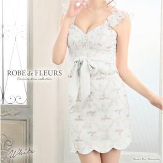 ローブ(ROBE)のローブドフルール キャバドレス タイトミニ 白 花 刺繍(ミニドレス)