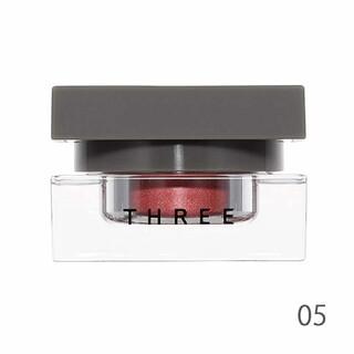 スリー(THREE)のTHREE 05 デアリングヴォヤージャー DARE TO LOVE 新品(アイシャドウ)