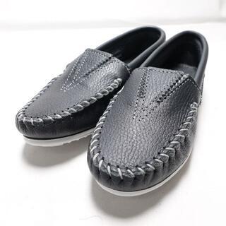 ミネトンカ(Minnetonka)のMINNETONKA ローファー 紺 サイズ5.5(ローファー/革靴)