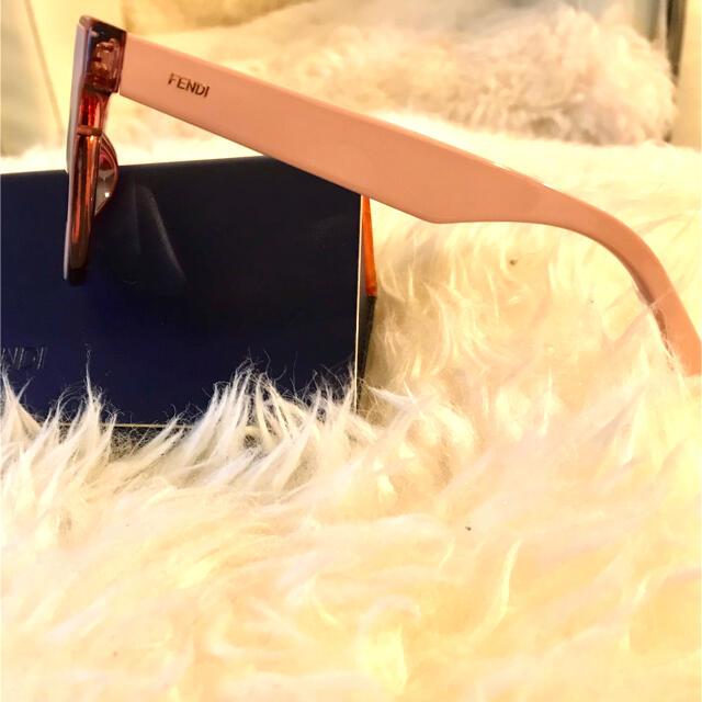FENDI(フェンディ)のFENDI美品サングラス レディースのファッション小物(サングラス/メガネ)の商品写真