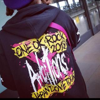ワンオクロック(ONE OK ROCK)のワンオク パーカー(ミュージシャン)