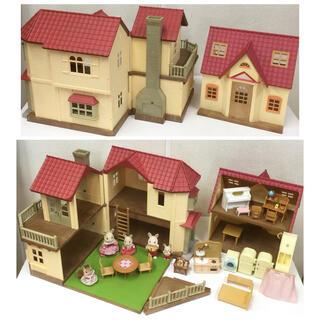 シルバニアファミリー 赤い屋根の大きなお家 家具 人形など大量セット(キャラクターグッズ)