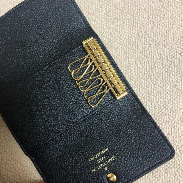 LOUIS VUITTON(ルイヴィトン)の新品未使用ルイ・ヴィトン キーケース箱袋有り レディースのファッション小物(キーケース)の商品写真