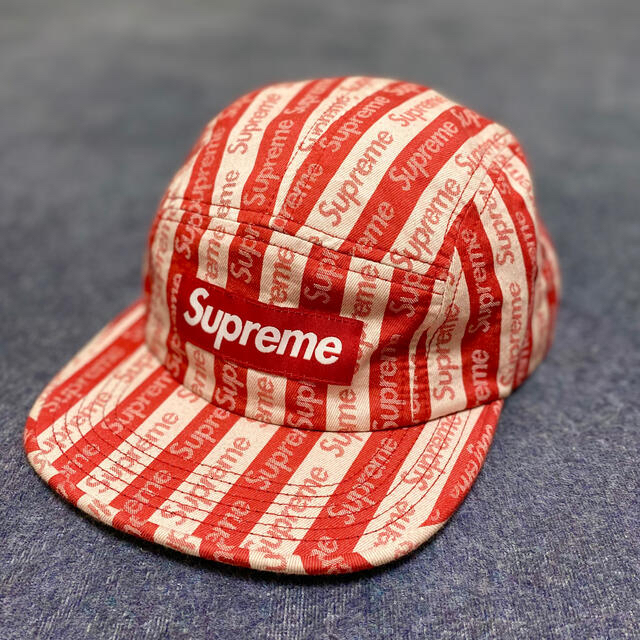 Supreme(シュプリーム)のSupreme Jacquard Logo Camp Cap レッド メンズの帽子(キャップ)の商品写真