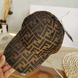 FENDI - フェンディロゴ男女兼用調節可能帽子FENDICAP