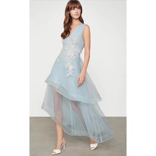 ビーシービージーマックスアズリア(BCBGMAXAZRIA)の❤️BCBGMAXAZRIA2020秋新作新品 青花柄2 色ロングドレス結婚式(ロングドレス)