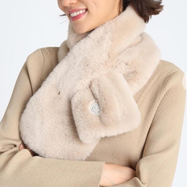 CELFORDブローチ付きファーショール レディースのファッション小物(マフラー/ショール)の商品写真