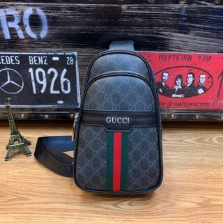 Gucci - ボディーバッグ