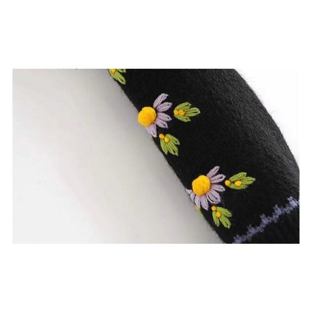ZARA(ザラ)の🍁秋冬新作☃️2971◆袖 フラワー 花柄 刺繍 ニット カーディガン レディースのトップス(カーディガン)の商品写真