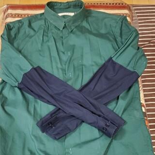 マルニ(Marni)のマルニ グリーンネイビー袖バイカラーシャツ(シャツ)