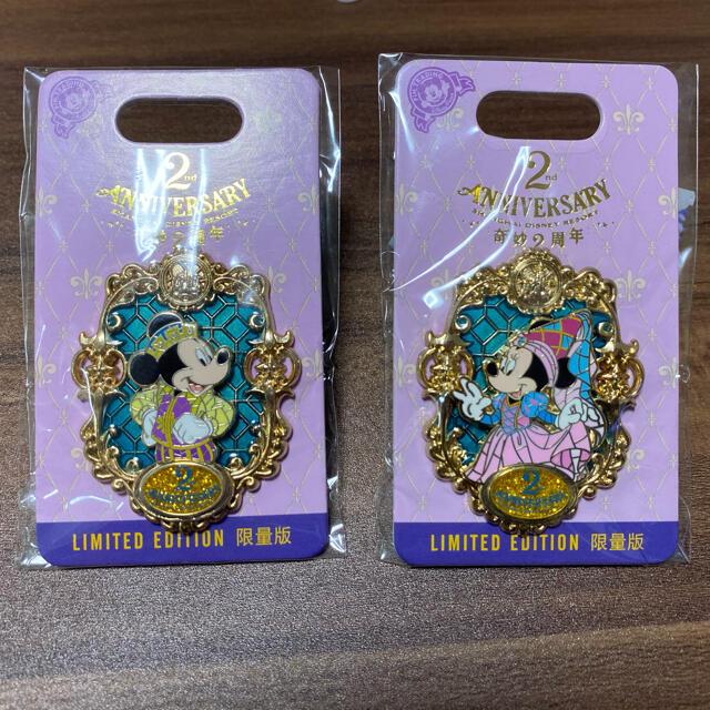 Disney(ディズニー)のミッキー ミニー 上海ディズニー 限定 ピンバッジ 日本未発売 LEピン エンタメ/ホビーのアニメグッズ(バッジ/ピンバッジ)の商品写真