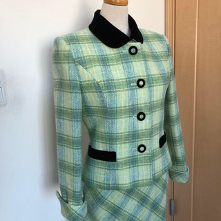 ギンザマギー(銀座マギー)の銀座マギー【美品】明るいグリーン系チェックのスーツ(スーツ)