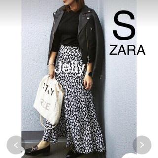 ザラ(ZARA)の【タグ付き新品】ザラ フラワー 花柄 プリント フレア スカート(ロングスカート)