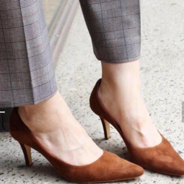 IENA(イエナ)の新品未使用 ネブローニスウェードパンプス38 レディースの靴/シューズ(ハイヒール/パンプス)の商品写真